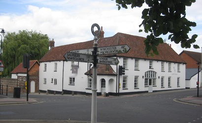 The White Hart PH, Overton
